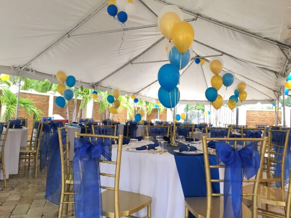 center piece with helium top table decoration