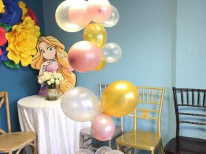 Orcanic balloon style helium table center piece